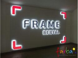 Інтер'єрна вивіска на пластиковій основі, виготовлена з об'ємних букв та елементів з підсвічуванням.
